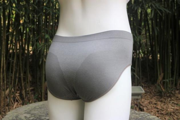 竹炭男用三角褲 2